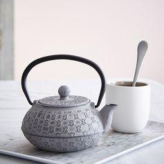 Théière en fonte grise #zodio #thé #théière #tendance #atmosphérique #table