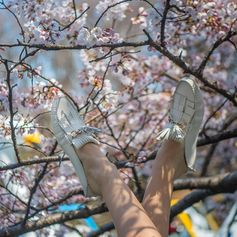 Have special Happy Holidays!  As delicate as cherry blossom: the Tod's Gommino for the blooming season, shot by Stefano Guindani. #sakura #cherryblossom #TodsGommino.