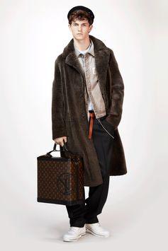Louis Vuitton Men's Fall-Winter 2017 Collection by Kim Jones - Look 9