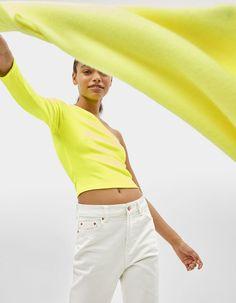 One-shoulder T-shirt | Bershka  #newin #trend #trendy #cool #fashion #outfit #ideas #inspiration #look #woman #mujer #new #in #bershka #bershkacollection #moda #neon #fluor #tendencia #trend