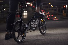 Discover the #EmporioArmani gifts for the lovers of urban sports #EAmotions