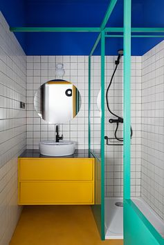 Bathroom by Plutarco