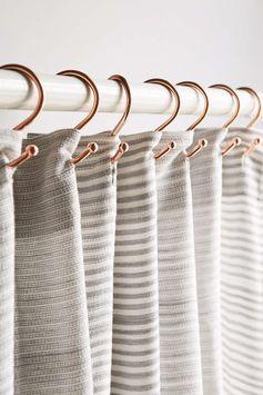 Ensemble de crochets de rideaux de douche en cuivre - Urban Outfitters