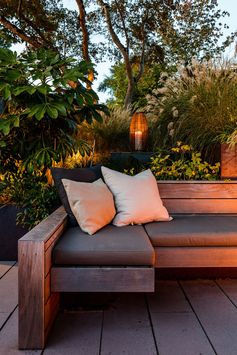 Landscaping Ideas – A Sunken Courtyard In A Sun Soaked Backyard