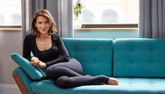 Yoga guru Hilaria Baldwin demonstrates a series of poses that can help you feel better from the inside out. Read more on the Estée Stories blog.