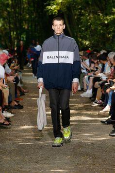 Balenciaga Men Spring Summer 18  Look 46