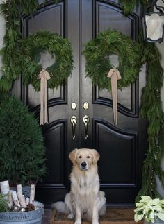 A French Inspired Christmas Front Porch #christmas #holidaydecor #christmasdecor