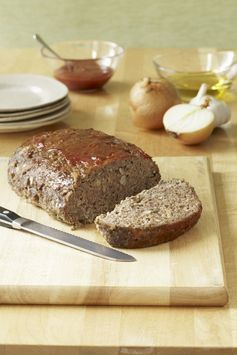 STOVE TOP Time Saver – Save time in the kitchen by using STOVE TOP Stuffing Mix to prepare your meatloaf. No chopping necessary! Just add STOVE TOP to the ground beef along with enough water and eggs to moisten, then shape and bake. As a bonus, any leftovers make awesome sandwiches the next day. #PinThatTwist
