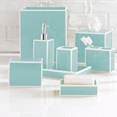 accessoires salle de bain cubiques en turquoise pastel
