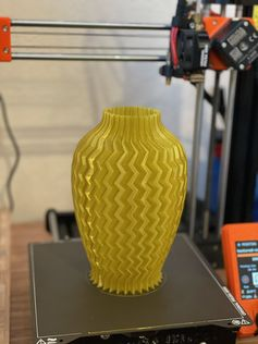 Vase printed with @prusament yellow gold PETG by Aaron Keigher #prusai3 #practical #prusamini