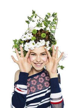 """Mix stripes with flowers and say """"Hello"""" to this Spring in Sailor style! Jumpers with floral prints, coats with embroidered details, navy sweaters and more are so casual and fashion! Discover Desigual Women's Spring Collection!"""