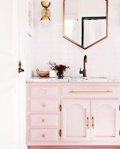 💕 Tuesday Feels . . . . #adriennemott #home #sacramento #california #homesweethome #homeinspo #adriennemott #westsacramento #homedecor #realestate #buyinsac #homes #iloveyou #trending #interiordesign #roseville #love #buyinsacramento #throwbackthursday #community #realtor #realestateagent #bathroom #interior #sellingsacramento