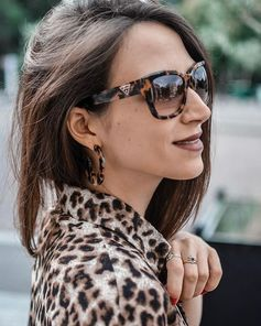 Bonnie on Instagram:These on-trend sunglasses feature a thick-rim tortoiseshell cat eye silhouette in an angular design and tapered temples.