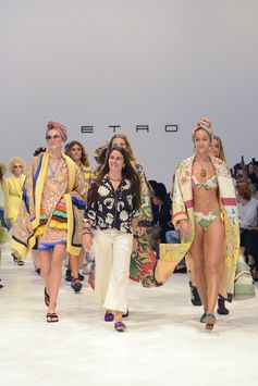 #EtroPacificZen Woman Spring Summer 2019 Fashion Show