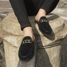 Somethings are meant to stay, like the new Tod's Double T velvet Sabot. See more of the Fall-Winter 18/19 collection on Tods.com. #CiaoByTods #Tods #ItalianStyle #MadeInItaly