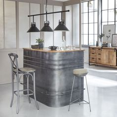 bar industriel métal gris