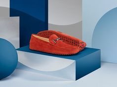 Iconic shapes and bold colours to make a style statement. Find out more about the Tod's Gommino at tods.com #TodsDoubleT #todsgommino