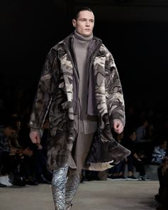 Echoes of exploration and discovery. Lava landscapes and natural earth tones at the Louis Vuitton Fall-Winter 2018 Fashion Show by Kim Jones.  See all the looks now at louisvuitton.com.