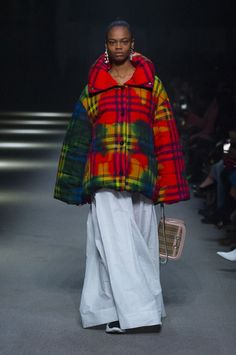 Tie-dye print Vintage check puffer jacket with a rainbow stripe maxi skirt, The Link bag in 1983 check and neoprene sneakers #BurberryShow #LFW