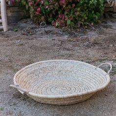 Panier à anses plat rond en feuille de palmier