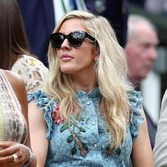 Wimbledon attitude: stunning Ellie Goulding with her #Todseyewear. #Tods #sunglasses #Wimbledon #EllieGoulding