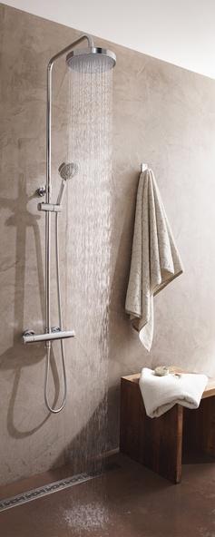 Une douche réglable en hauteur pour un confort absolu