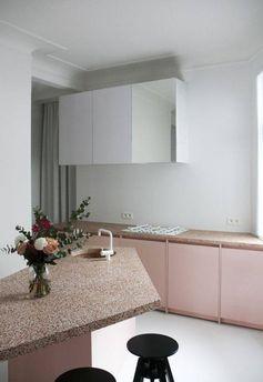 Pour moderniser une cuisine, on la joue bicolore !
