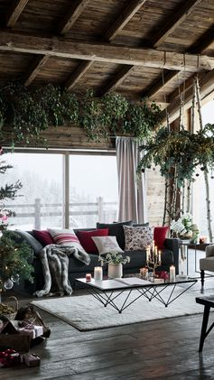 Welcome to our holiday season! Decorate your home with our most sparkling, cosy and beautiful seasonal designs.
