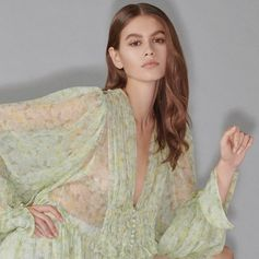 @KaiaGerber in the new #StellaSummer19 collection. Now available for pre-order on StellaMcCartney.com 💚  #StellaMcCartney