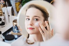 Meet Elena Wood, Manager of Global Skincare Product Development as she shows off one of her favorite masks, the Re-Nutriv Ultimate Diamond Transformative Thermal Ritual.