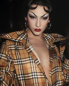 #VioletChachki wears #Burberry to the #VivienneWestwoodandBurberry launch party in London