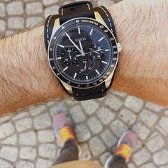 "Darek Kozdraś (@daro_mnswr) on Instagram: ""So so in love with my new watch 😍 The perfect everyday accessory 👌🏻 #details #zegarek #guess…"""