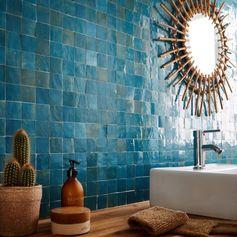 Un bleu paon pour la mosaïque