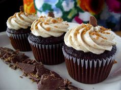 Up your dessert game with these Butterfinger Milkshake Cupcakes!
