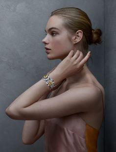 Terres d'Or bracelet from the Les Mondes de Chaumet High Jewellery collection titled Trésors d'Afrique.