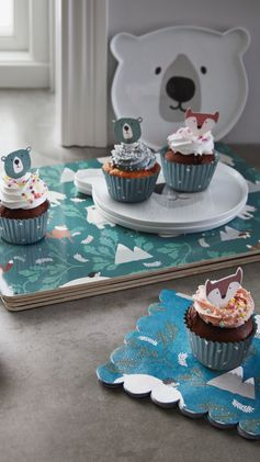 H&M HOME | The finishing touch to your kids' party cupcakes? UnBEARably cute fox and bear cake toppers!
