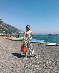 Easy summer mood for Anny Fan with her #TodsSellaBag. #AnnyFan