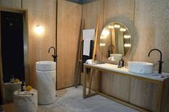 Marble is alowed in the bathroom. Design by Marmo Spirito.
