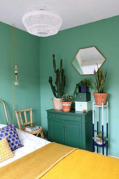 Une chambre bohème qui n'a pas peur de la couleur