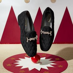 Get ready for your most sparkling holidays with these precious Tod' s DoubleT moccasins. Discover many others gift ideas at tods.com #TodsLovesCircus #TodsDoubleT