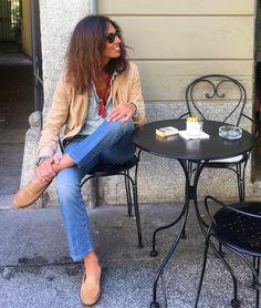 Mastering Italian style: Viviana Volpicella enjoying her Tod's Gommino. #TodsGommino
