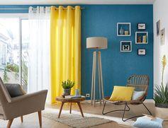 Une déco colorée : le bleu et le jaune vif s'accordent à merveille