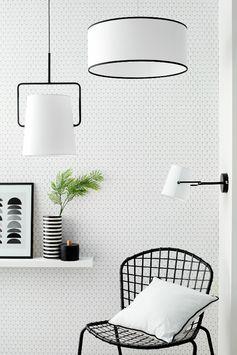 Et si on mettait un peu de douceur dans la déco ? Avec des inspirations scandinaves et modernes, la tendance filaire noir et blanc invite au cocooning de la chambre au salon !