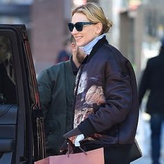 Effortless style: Cate Blanchett on the go with her Tod's eyewear. #TodsFavorites #Tods #eyewear #CateBlanchett