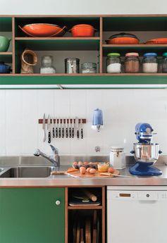 Três reformas de cozinha. Com a mudança, elas ficaram mais modernas - Casa.com.br