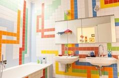 bathroom.....for the boys. love it.