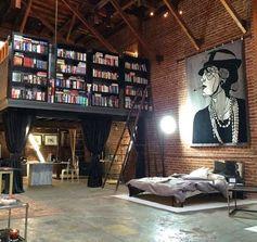 Se inspire em 23 ideias de lofts para se morar ou ter um escritório.