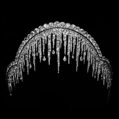 The Maison has drawn inspiration from nature since its founding. This gold and platinum stalactite tiara was created in 1904 for the Marquis de Lubersac. It is made up of intricate gold and diamond icicles, perfectly in tune with the soft winter light that comes with the holiday season.