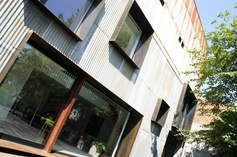 Industrial loft by architect Pieter Verfaillie | Blockoffice.be .