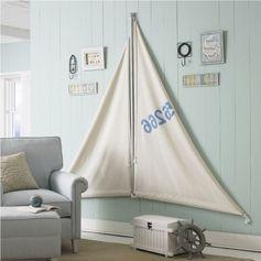 déco bord de mer, lambris bois bleu ciel et fauteuil design assorti Plus